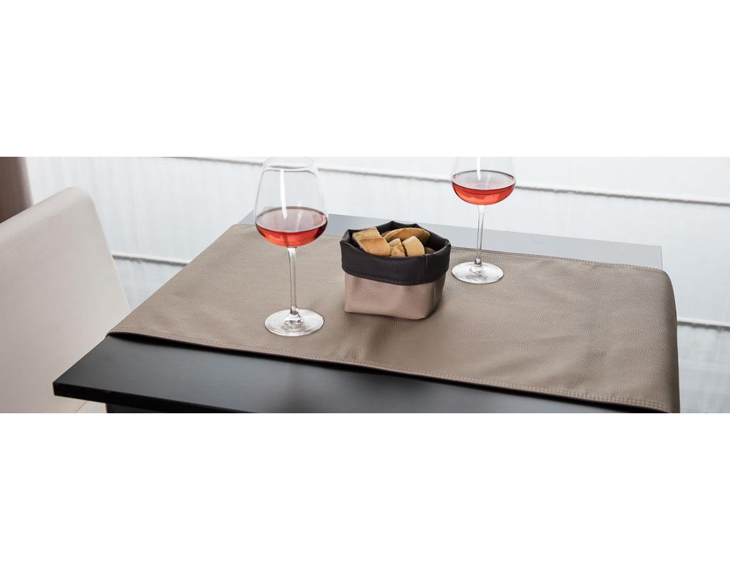 Mobilier coulomb chemin de table en eco cuir r versible for Accessoire de restaurant