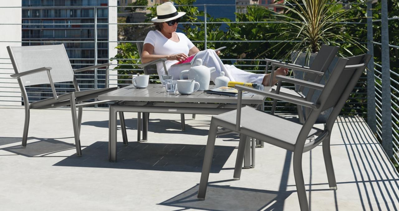 Mobilier coulomb fauteuil bas m tal costa mobilier terrasse de bar restaurant chr canap - Salon de jardin fermob ...